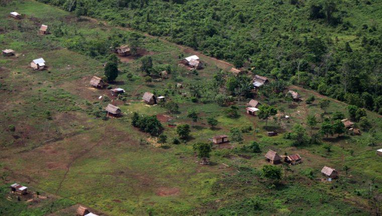 Una de las áreas invadidas en el Parque Nacional Laguna Lachuá, en Alta Verapaz. (Foto Prensa Libre: Eduardo Sam).