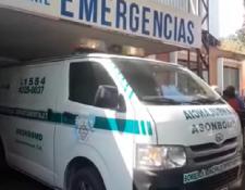 El joven fue trasladado por los Bomberos Municipales Departamentales al Hospital Regional de Occidente. (Foto Prensa Libre: María Longo)