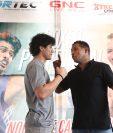 El boxeador guatemalteco Léster Martínez y el nicaragüense Ricardo Mayorga, captados durante una conferencia de prensa este jueves , en Futeca Cayalá. (Foto de Francisco Sánchez).