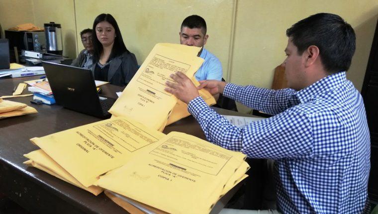 La Junta de Licitación para la compra de energía eléctrica fue conformada ocho días de abrir las plicas. (Foto Prensa Libre: Mynor Toc)