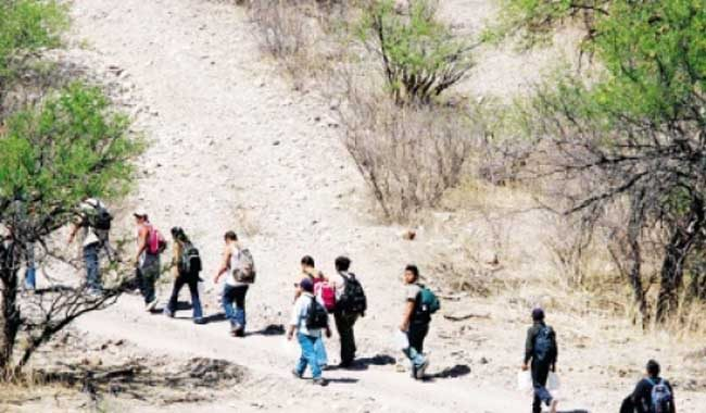 El 99 por ciento de los migrantes guatemaltecos viaja hacia Estados Unidos por el desierto. (Foto Prensa Libre: Hemeroteca PL)
