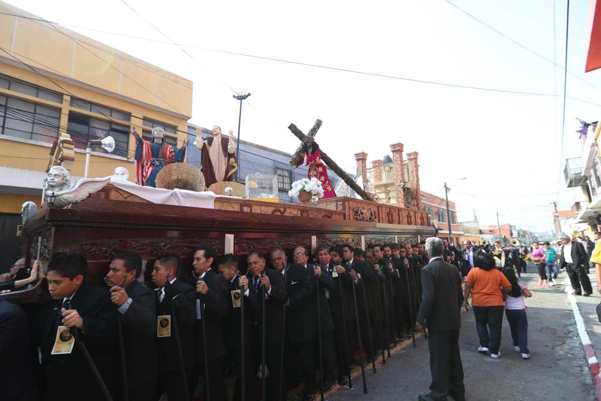 Fotogalería: quinto domingo de Cuaresma, procesiones de barrio