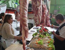 La Diaco determinó que en el mercado no existe comercialización de carne canina, luego de realizar las muestras de laboratorio. (Foto Prensa Libre: Hemeroteca)