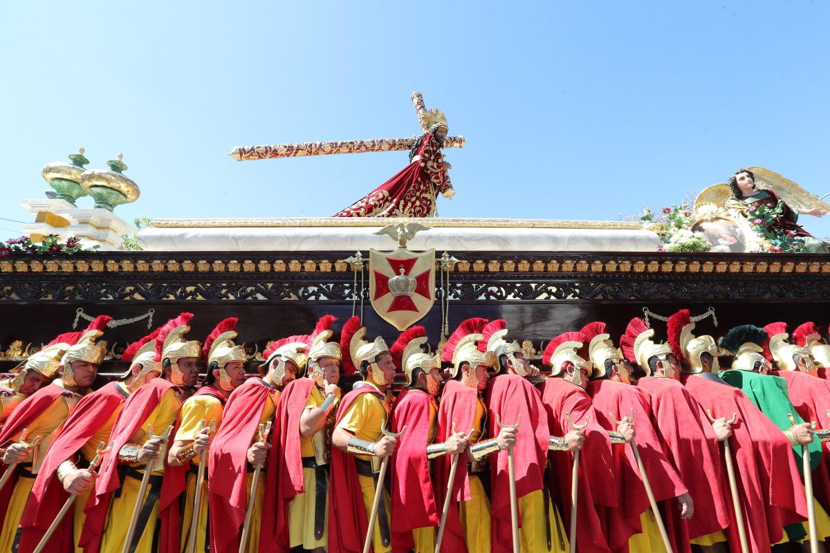 Fotogalería: procesión de Jesús de los Milagros