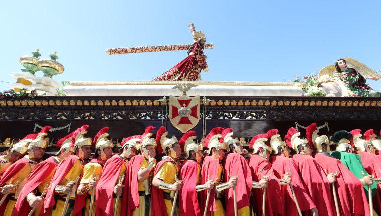 La procesión de Jesús de los Milagros se lleva cabo este Domingo de Ramos en la zona 1 de Guatemala.