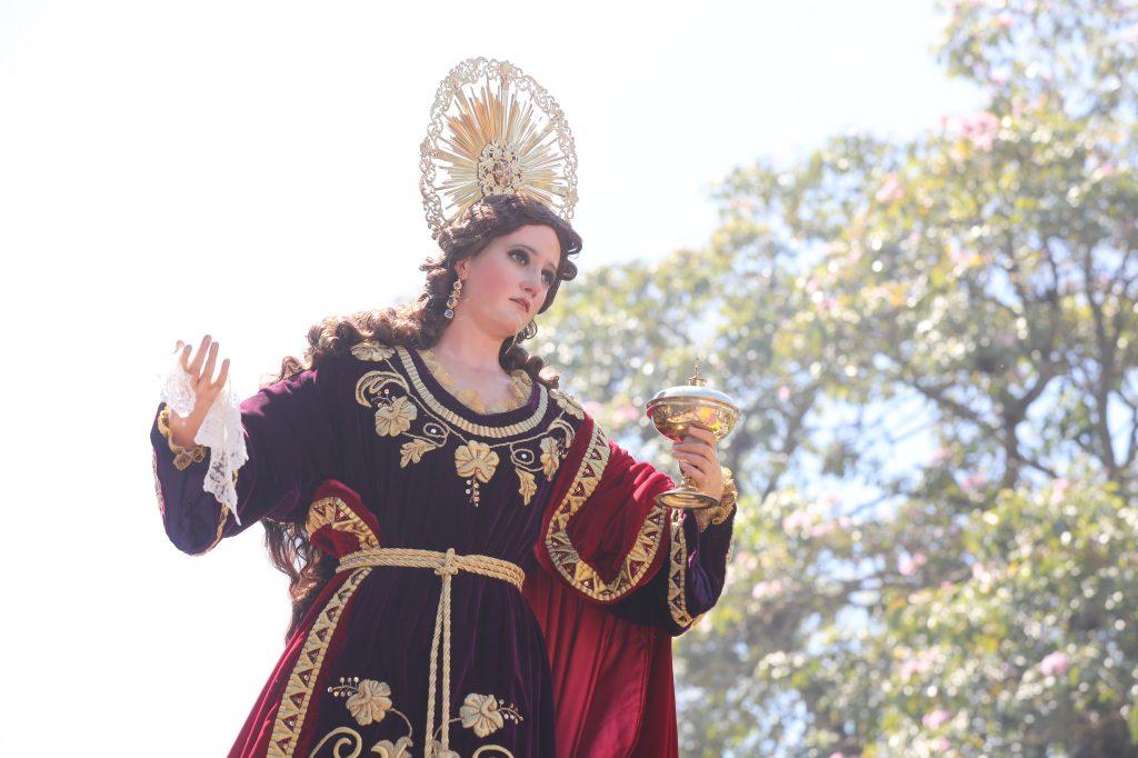 María Magdalena también acompaña el cortejo.