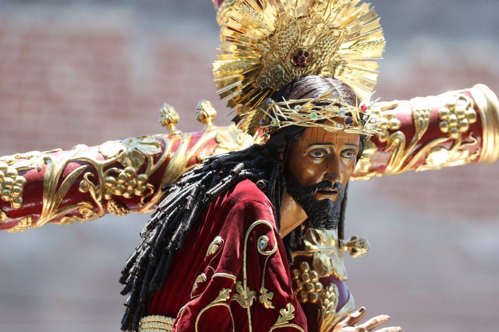 El Rey del Universo sale en procesión el primer jueves de Cuaresma, también.