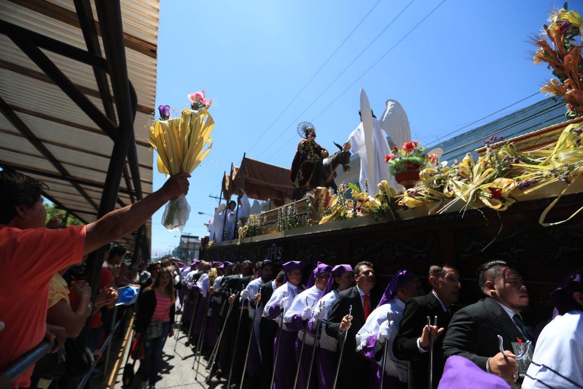 Fotogalería: calles del centro histórico se llenan de color con Jesús de las Palmas