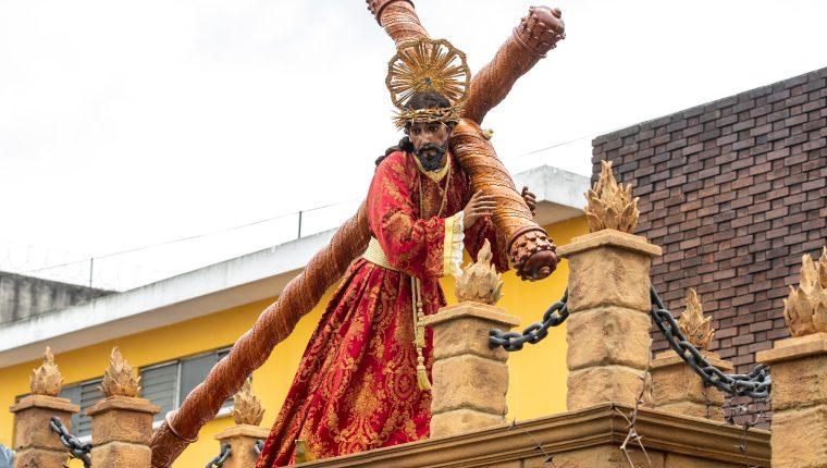 Jesús Nazareno del Rescate y la Virgen de Dolores de la Rectoría de Santa Teresa salió a las calles capitalinas en Miércoles Santo. Fotografía Prensa Libre: Juan Diego González