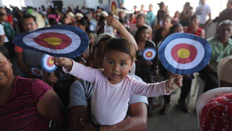 Actividad del pasado fin de semana en la cual las bases del partido en Jalapa mostraron un tímido apoyo a Mario Estrada. (Foto Prensa Libre: Hemeroteca PL)