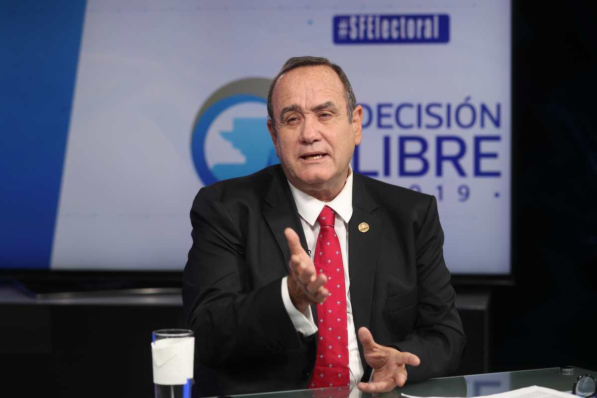 Participación ciudadana es crucial para el cambio, dice Alejandro Giammattei