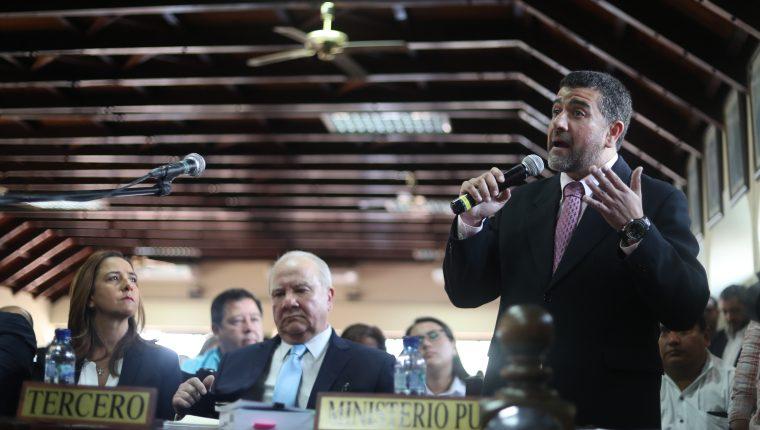 Luis Gordillo Bosque expone ante la CC los argumentos por los cuales la Fiscalía cree que Zury Ríos sí puede participar en las elecciones. (Foto Prensa Libre: Esbin García)