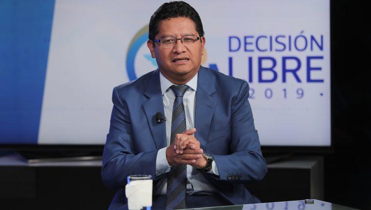 Aníbal García, presidenciable de Libre, durante el programa Sin Filtro Electoral. (Foto Prensa Libre: Juan Diego González)