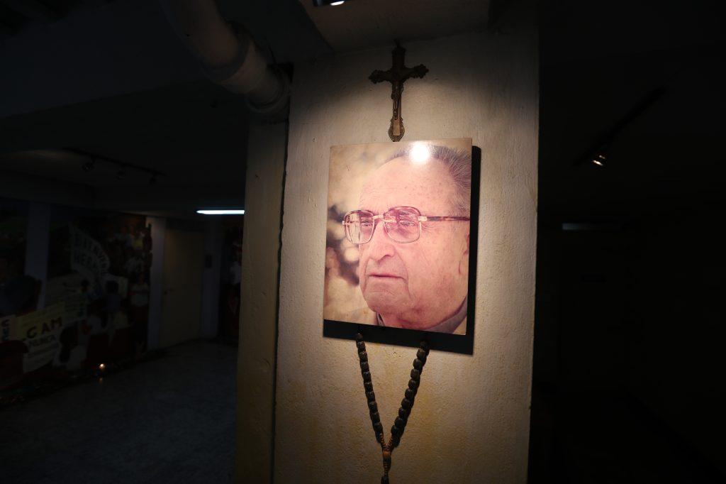 Fue obispo de las Verapaces y Quiché en las décadas de 1970 y 80.