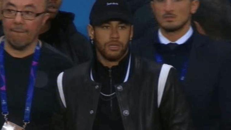 Neymar recibe dura sanción de la Fifa por insultar a un árbitro. (Foto Prensa Libre: Hemeroteca PL)