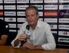 Pedro Portilla, durante la presentación de Iván Franco Sopegno. (Foto Prensa Libre: Carlos Vicente)