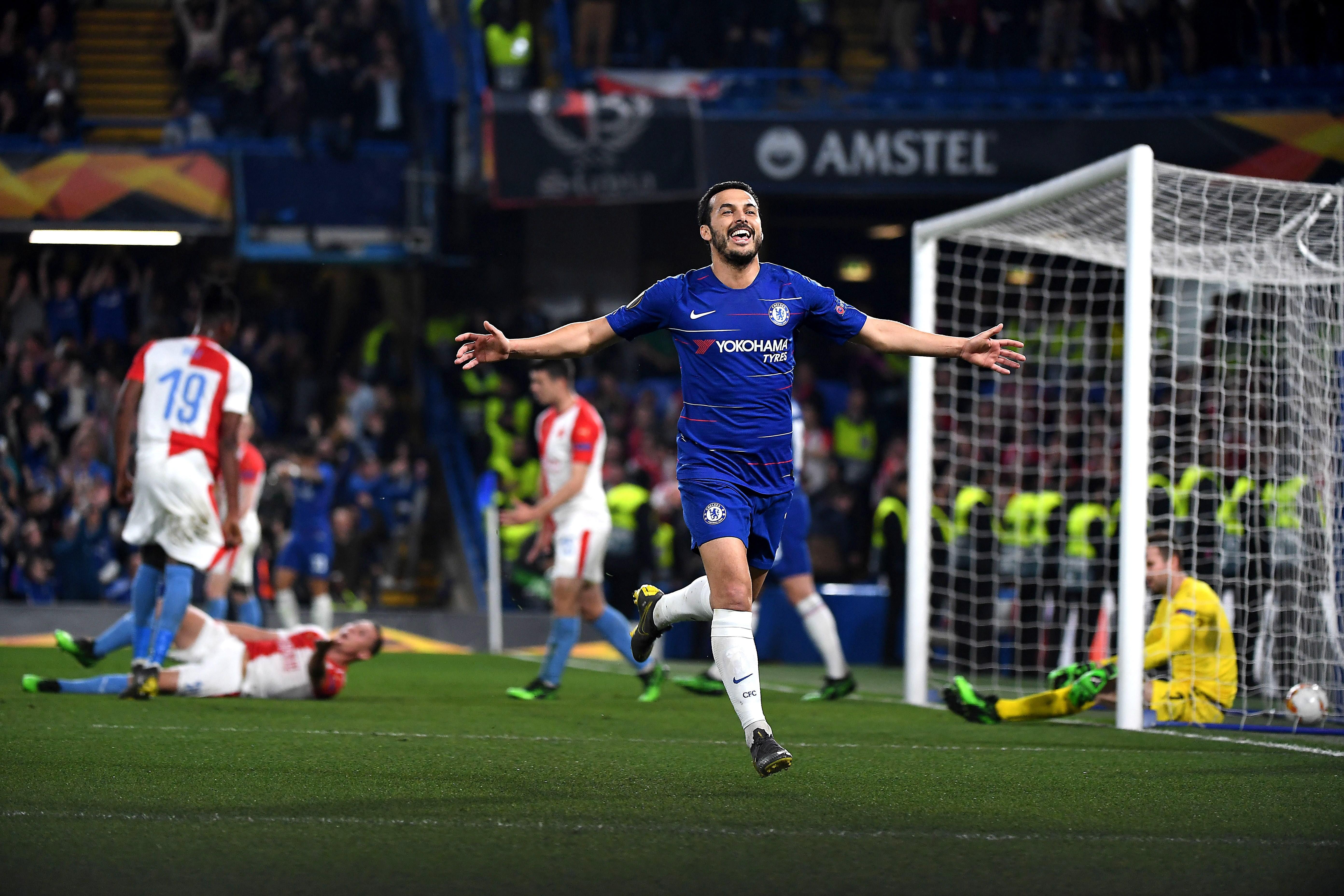 Pedro del Chelsea celebra tras anotar un gol ante el Slavia. (Foto Prensa Libre: EFE)