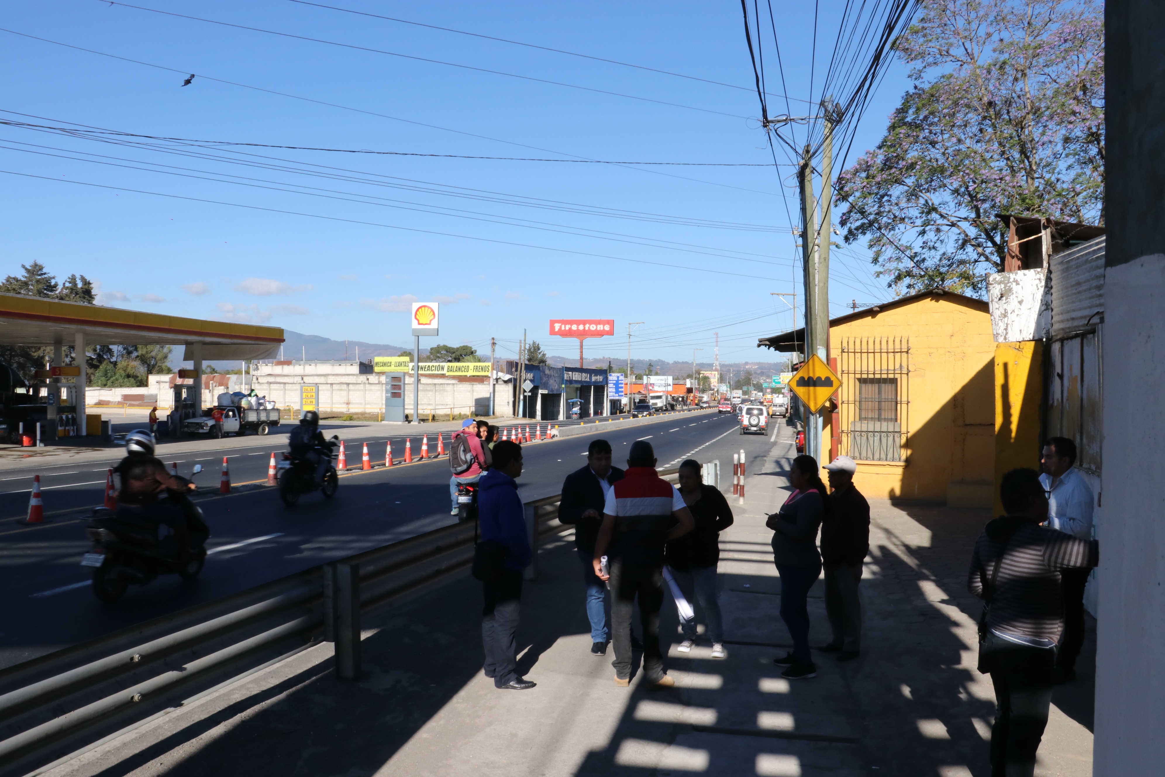 Lugar donde será construida la nueva pasarela.(Foto Prensa Libre: Víctor Chamalé)