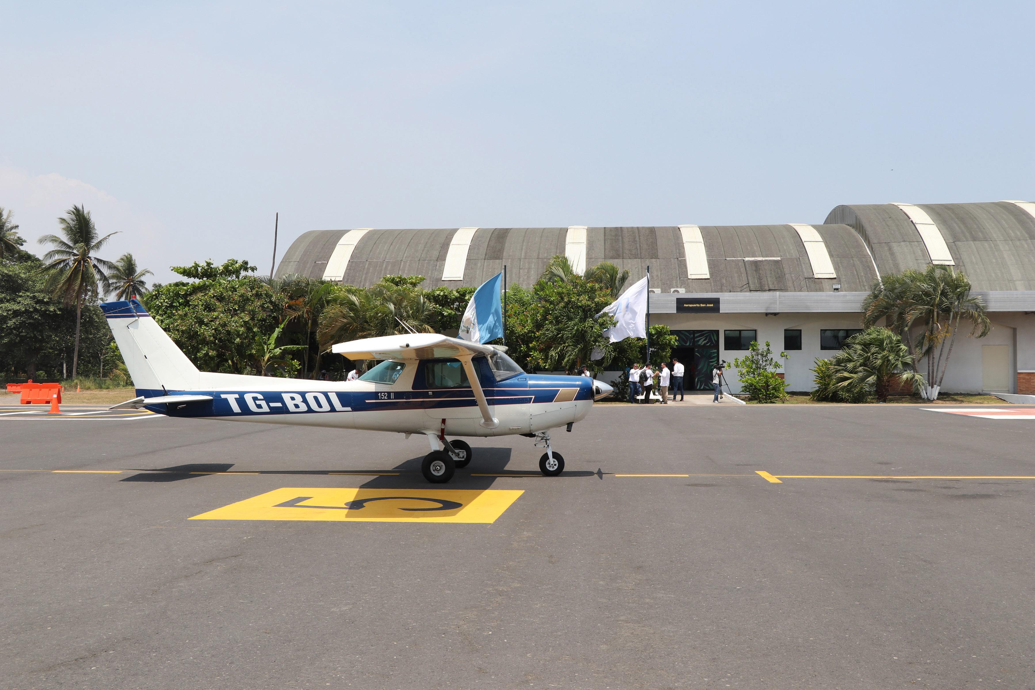 La inversión en los trabajos   en el aeródromo fue de aproximadamente Q500 mil. (Foto Prensa Libre: Carlos Paredes)