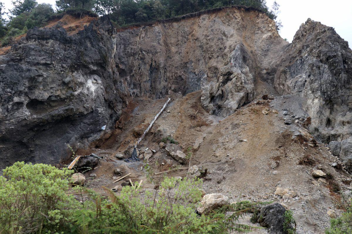 Extracción ilegal de materiales pone en riesgo varias montañas de Huehuetenango