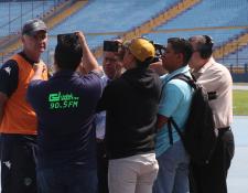 El técnico argentino Iván Franco Sopegno dice que sus equipos no tienen el mismo nivel. (Foto Prensa Libre: Edwin Fajardo)