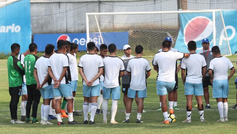 Los seleccionados Sub 23 trabajan para la eliminatoria frente a Costa Rica. (Foto Prensa Libre: Francisco Sánchez)