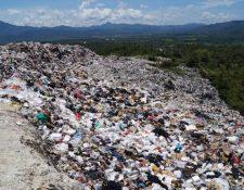 En el país hace falta el manejo de desechos tanto desde los usuarios, empresas y autoridades encargadas de estos sitios. (Foto, Prensa Libre: Hemeroteca PL).