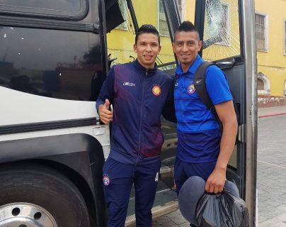 Manuel Moreno y Juan Yax lucen optimista previo al viaje a Antigua. (Foto Prensa Libre: Cortesía)
