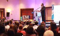El ministro de Economía, Acisclo Valladares Urruela, participó en la celebración del Día del Emprendimiento. (Foto Prensa Libre: Cortesía Mineco)