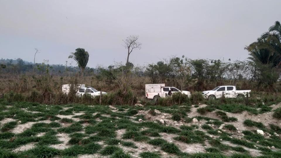 Lugar donde fueron hallados los cadáveres de las tres mujeres en El Chal, Petén. (Foto Prensa Libre: Dony Stewart).