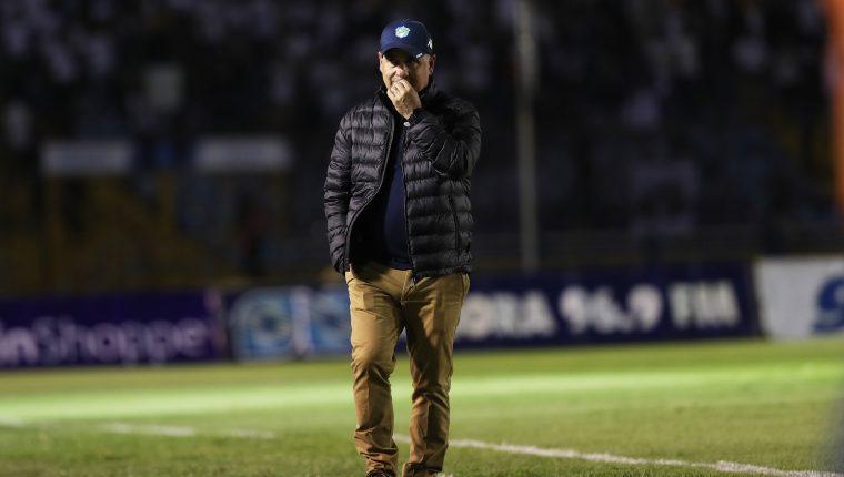 William Coito Olivera deja de ser técnico de Comunicaciones, tras la derrota 1-3 en el Clásico 305. (Foto Prensa Libre: Francisco Sánchez).