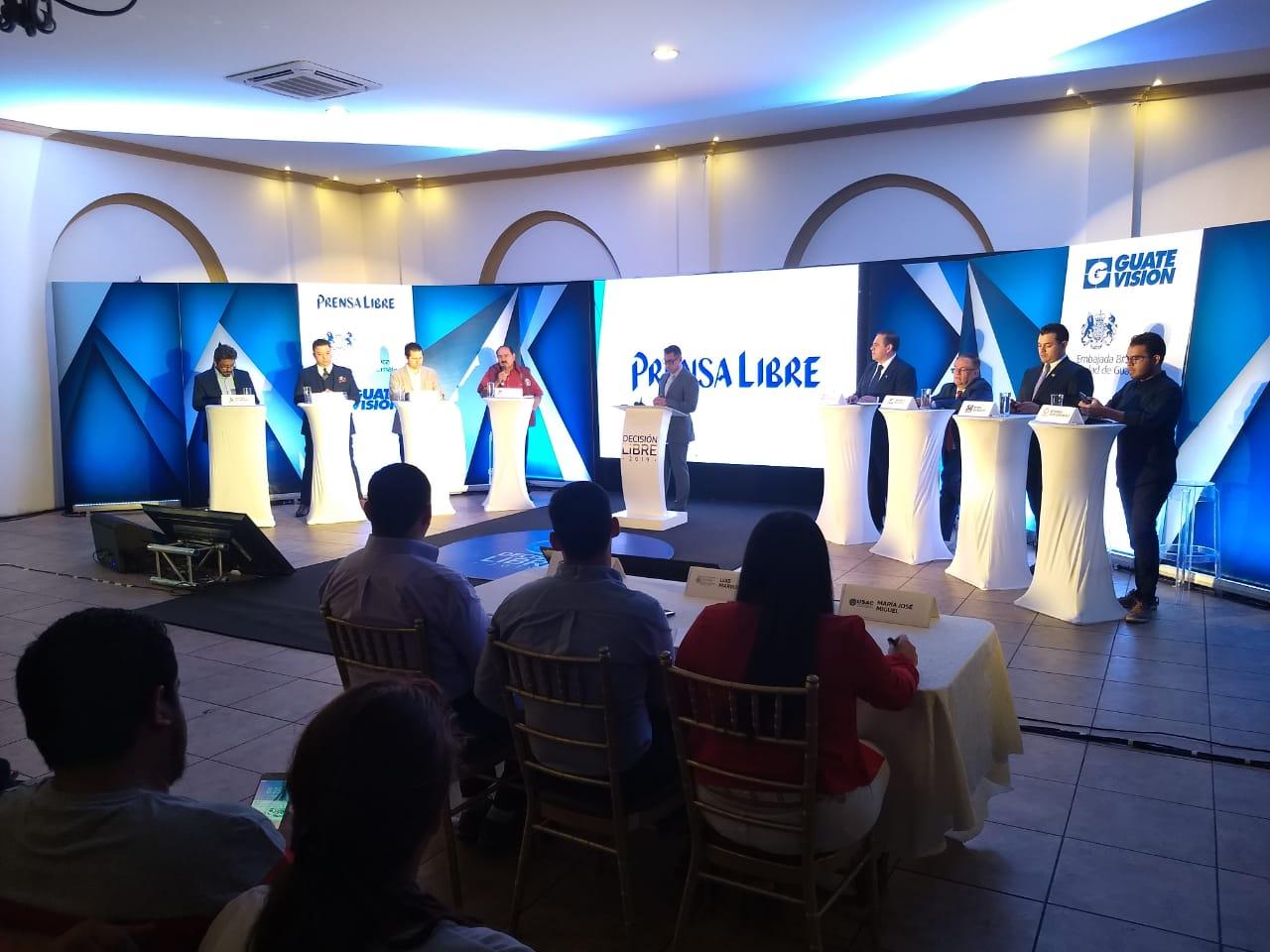 Candidatos a la presidencia que participaron en el primer bloque del foro Decisión Libre.(Prensa Libre: Mario Morales)