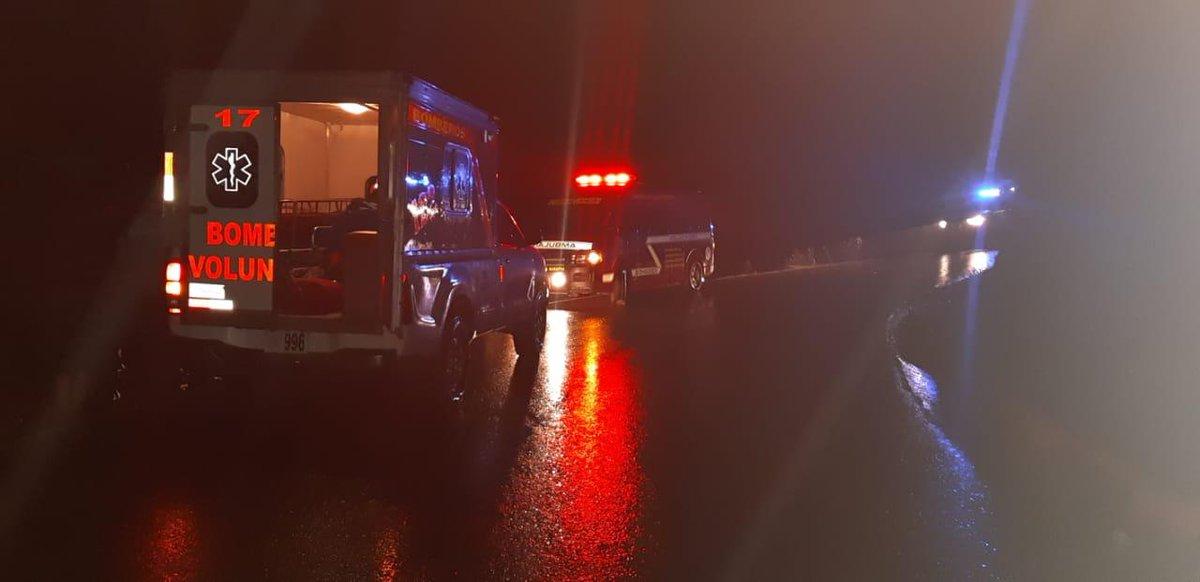 El accidente sucedió en el kilómetro 293 de la ruta Nacional 9, hacia el Mirador Juan Diéguez Olaverri. (Foto Prensa Libre: Mike Castillo)