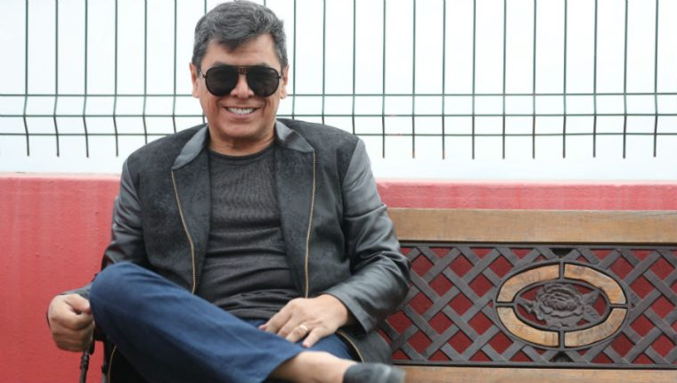 Álvaro Torres dará un show en Guatemala. (Foto Prensa Libre: Keneth Cruz)