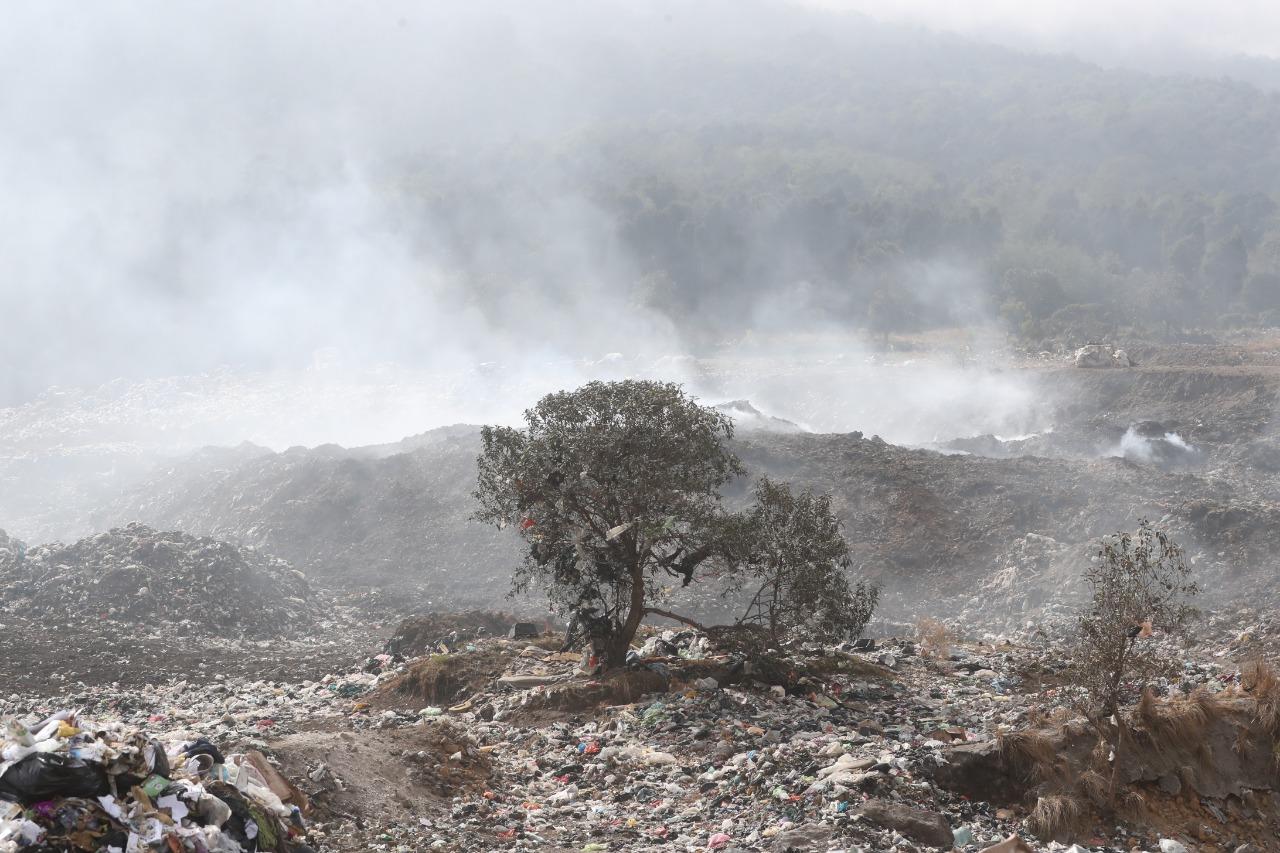 La Procuraduría de los Derechos Humanos solicitó al Ministerio Público inspeccionar el vertedero municipal para deteminar la causa de un incendio. (Foto Prensa Libre: Mynor Toc)