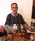 Artesanos ofrecen diversos productos en los que destacan a Quetzaltenango. (Foto Prensa Libre: María Longo)