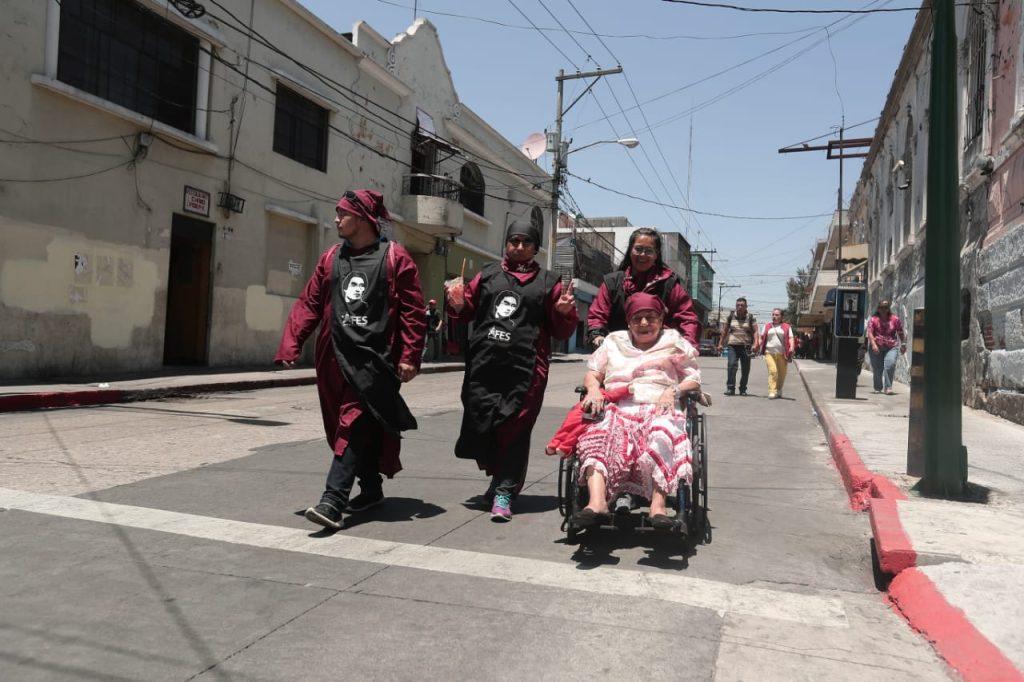 Estudiantes de la Universidad de San Carlos de Guatemala participan en la Huelga de Dolores. Foto Prensa Libre: Juan Diego González