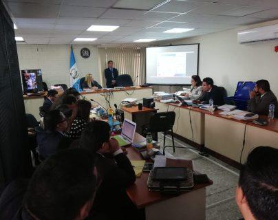 La indagatoria a los implicados en las bandas el Patrón y los Mashico se realizó en el Juzgado de Mayor Riesgo E, a cargo de Eva Recinos. (Foto Prensa Libre: Kenneth Monzón)