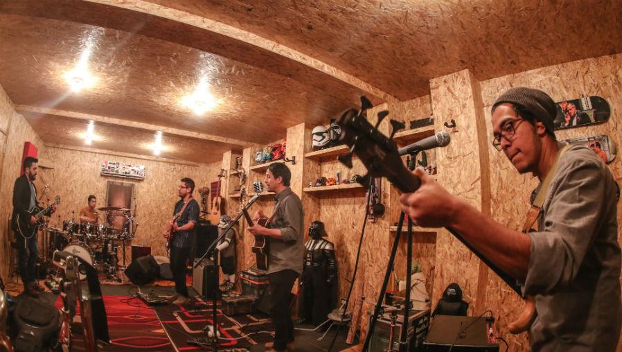"""La banda guatemalteca Casa de Kello promociona """"Madrid"""", el primer sencillo de su segundo material discográfico. (Foto Prensa Libre: Keneth Cruz)"""