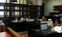 Las fiscales de Chiquimula Suleisy Magdalena Gutiérrez Saidi Leticia Guerra Samayoa y Katy Maritza Hernández Gálvez están suspendidas sin goce de salario. (Foto Prensa Libre: Juan Diego González)