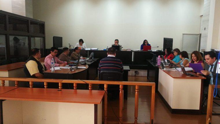 Édgar Estuardo Rafael Ovalle, técnico en auditoría de la Superintendencia de Administración Tributaria (SAT), declaró como perito en el juicio del caso Gasofa. (Foto Prensa Libre: Juan Diego González)
