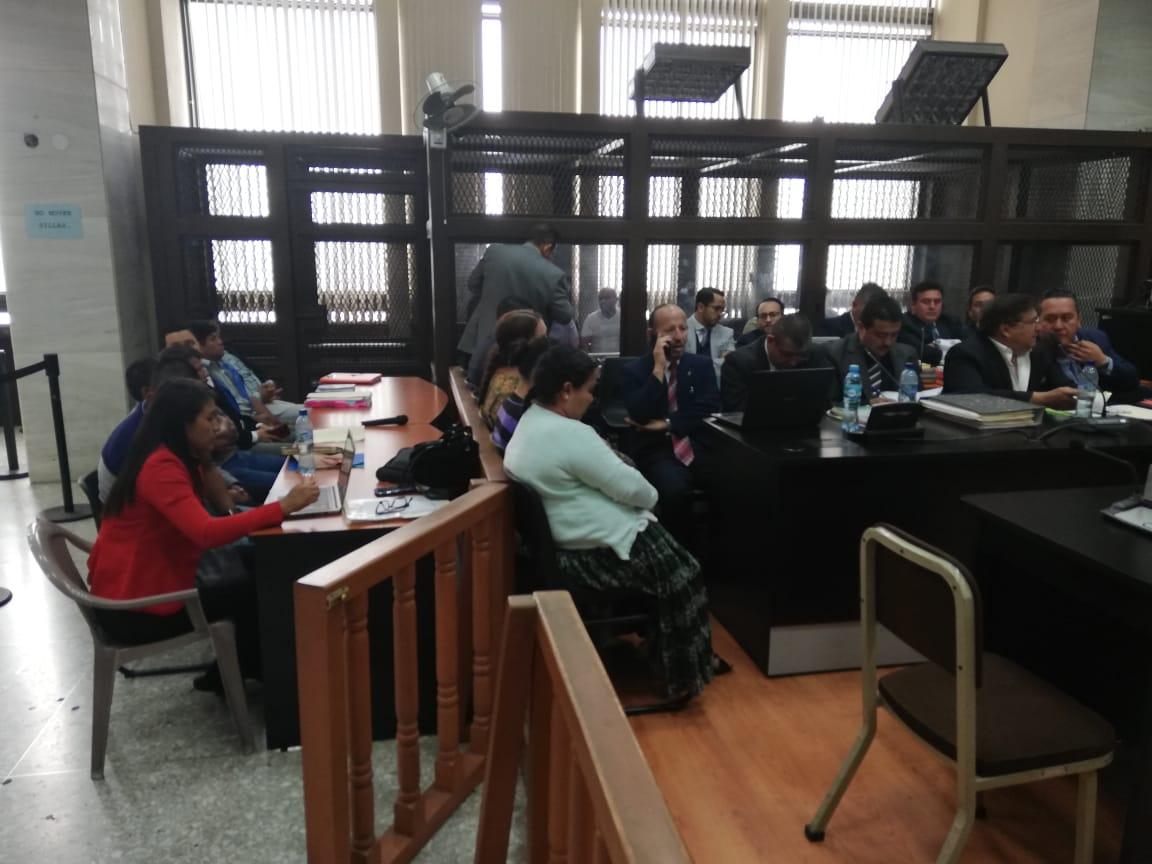 La jueza Claudette Domínguez separó a cinco sindicados en de un caso de supuestos actos de corrupción por falta de intérprete. (Foto Prensa Libre: Kenneth Monzón)