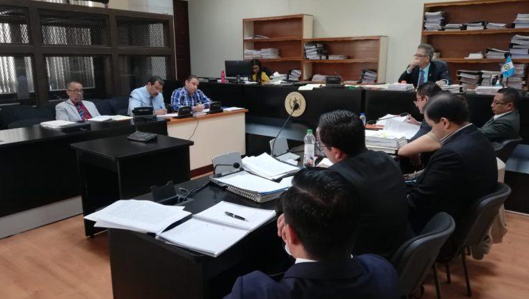 La repetición de la  audiencia intermedia del caso Siekavizza se realiza en el Juzgado de Mayor Riesgo B. (Foto Prensa Libre: Kenneth Monzón)
