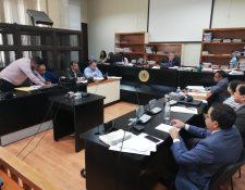 Roberto Barreda declaró ante el juez Miguel Gálvez para refutar la acusación por tres delitos en el caso Siekavizza. (Foto Prensa Libre: Kenneth Monzón)