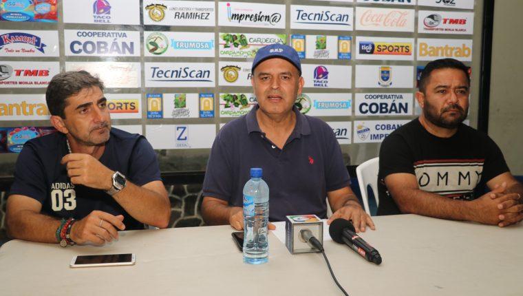 Patricio Quinteros, presidente de Cobán Imperial, pidió el respaldo de la afición. (Foto Prensa Libre: Eduardo Sam).