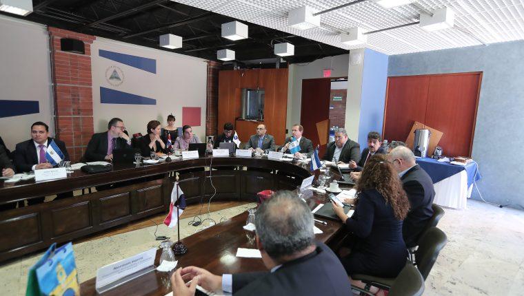 Los ministros de Economía de Centroamérica discutirán en la capital guatemalteca varios temas relacionados a la integración económica el viernes 26 de abril. (Foto Prensa Libre: Hemeroteca)