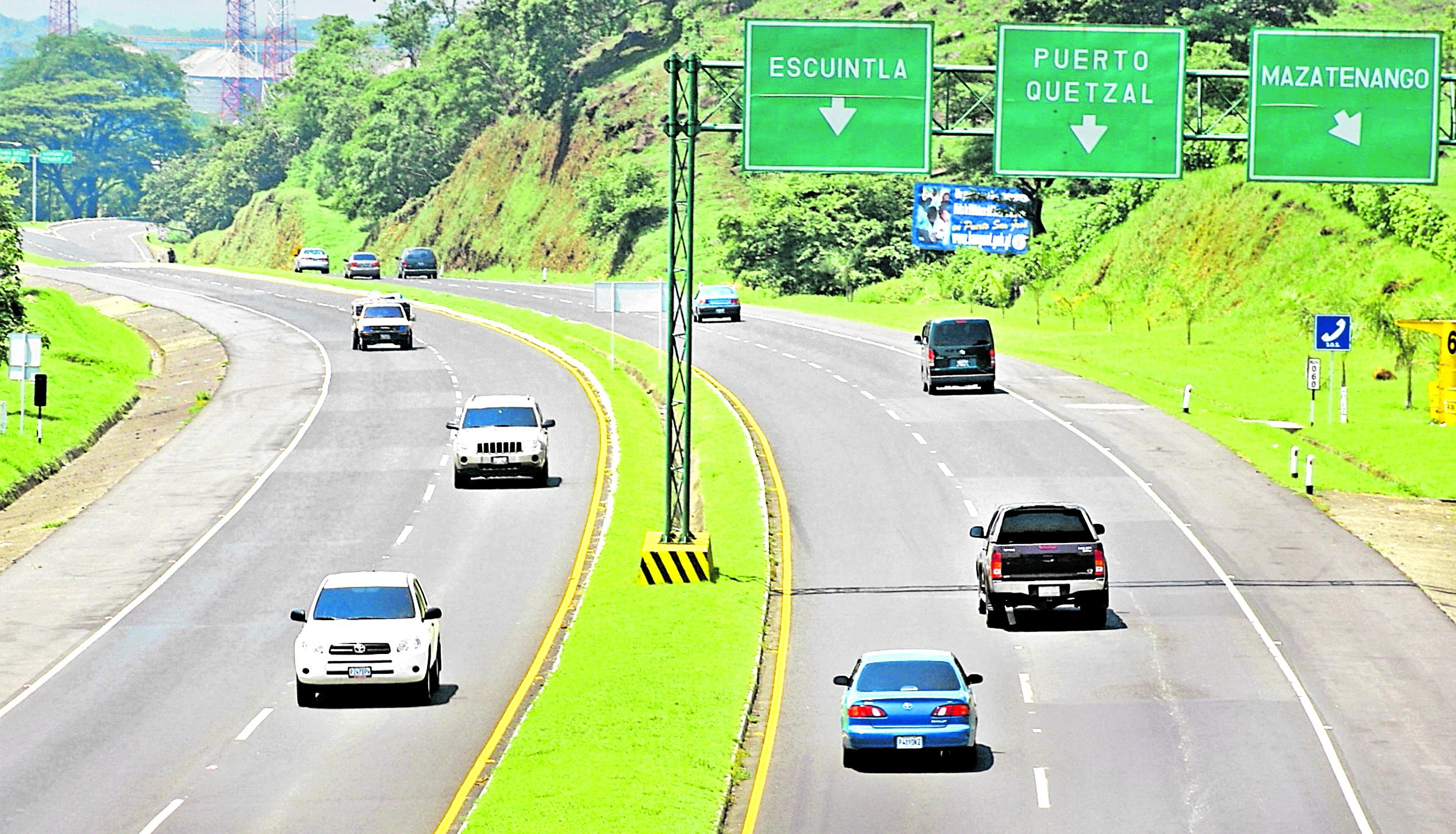 Encargados de administrar la autopista Palín-Escuintla estipulan que unos 37 mil vehículos circularán a diario por esa carretera, durante la Semana Santa. (Foto Prensa Libre: Hemeroteca PL)