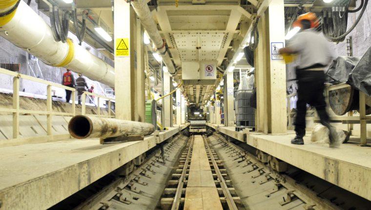 Túnel del metro subterráneo de la Ciudad de México, con capacidad para 475 mil pasajeros diarios.(Foto Prensa Libre: EFE)