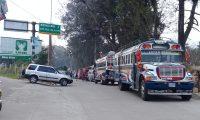 Transportistas de Quiché bloquean el paso hacia Occidente y la Verapaces. (Foto Prensa Libre: Héctor Cordero)