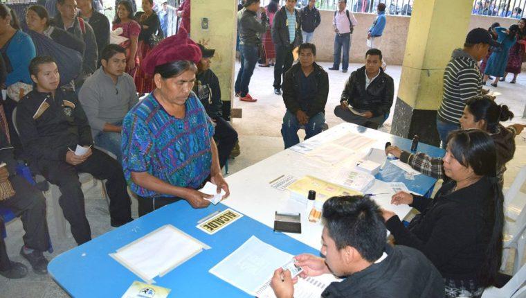 Cerca de ocho millones de guatemaltecos acudirán a las urnas el 16 de junio. (Foto Prensa Libre: Hemeroteca PL)
